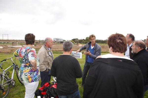 Omgevingsmanager Wim van Vilsteren van Ruimte voor de Rivier Deventer aan het werk.