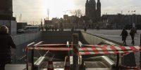 Amsterdam, 1 december 2016.  Rolbaan bij CS is afgesloten wegens vervanging loopvlak.  Foto: Ge Dubbelman/Hollandse Hoogte.